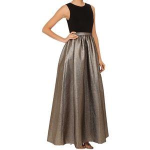 💛Calvin Klein Stunning Metallic Formal - Ballgown